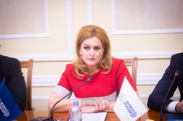 Заместитель министра промышленности и торговли Алексей Груздев предложил  Максиму Загорнову «вместе открыть двери для бизнеса»
